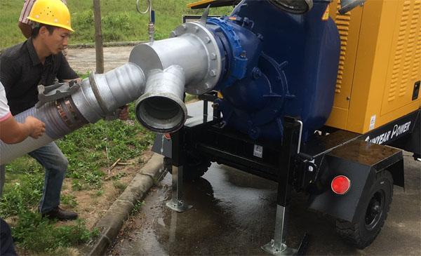 移动泵车现场作业图